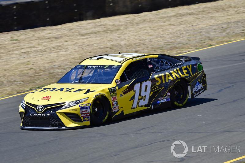 16. Daniel Suarez, Joe Gibbs Racing, Toyota Camry STANLEY
