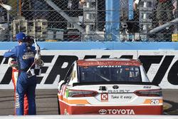 1. Matt Kenseth, Joe Gibbs Racing Toyota, mit Kyle Busch, Joe Gibbs Racing Toyota