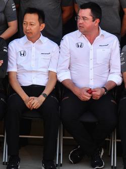 Yusuke Hasegawa, Head of Honda Motorsport and Eric Boullier, McLaren Racing Director at the McLaren Team photo