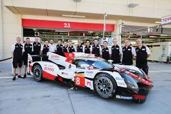 #8 Toyota Gazoo Racing Toyota TS050 Hybrid with team members
