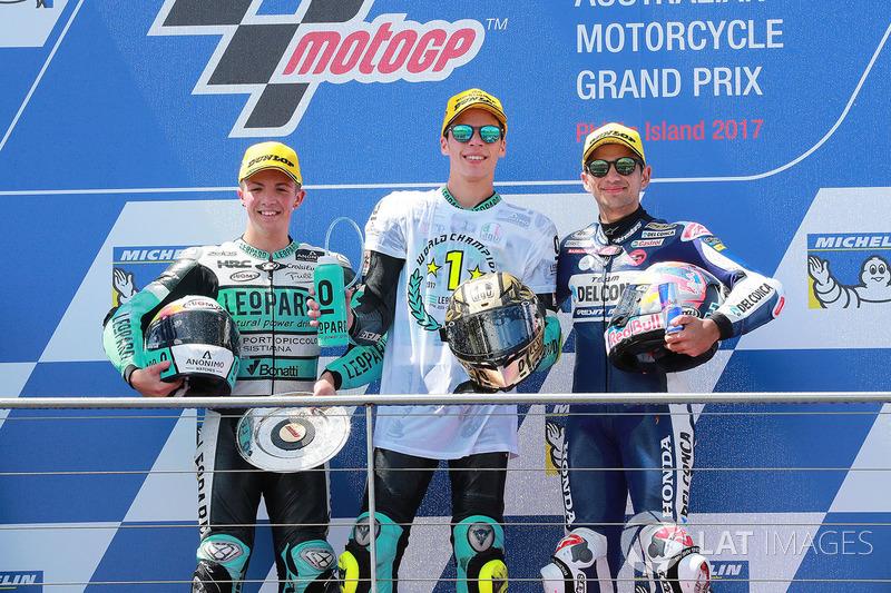 El ganador de la carrera Joan Mir, Leopard Racing, el segundo clasificado Livio Loi, Leopard Racing, el tercer clasificado Jorge Martin, Del Conca Gresini Racing Moto3