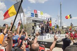 Podio: i vincitori Thierry Neuville, Nicolas Gilsoul, Hyundai Motorsport, al secondo posto Elfyn Evans, Daniel Barritt, M-Sport