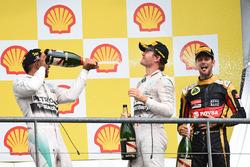 Podium : le vainqueur Lewis Hamilton, Mercedes AMG F1, le second Nico Rosberg, Mercedes AMG F1 et le troisième Romain Grosjean, Lotus F1 Team