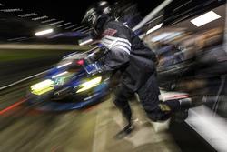 #14 3GT Racing Lexus RCF GT3, GTD: Dominik Baumann, Kyle Marcelli, Bruno Junqueira, Philipp Frommenwiler, pit stop