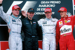 Podium: second place David Coulthard, McLaren, Adrian Newey, winner Mika Hakkinen, McLaren, third pl