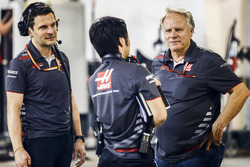 Ayao Komatsu, Şef Yarış Mühendisi, Haas F1, ve Gene Haas, Team Owner, Haas F1