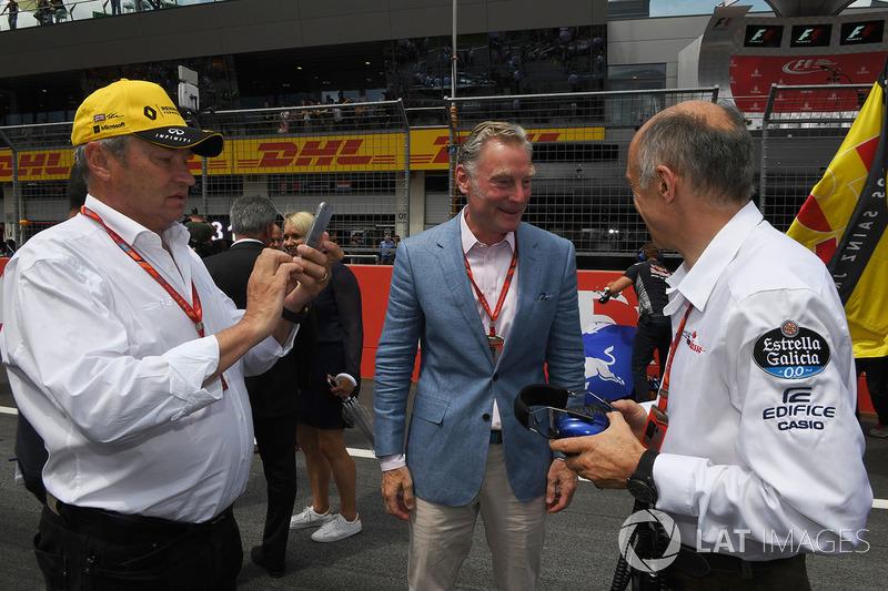 Джером Столл, директор Renault Sport F1, Шон Братчес, керуючий комерційний директор Формули 1, Франц Тост, керівник Scuderia Toro Rosso