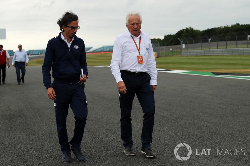 Делегат FIA з Безпеки Лоран Мекі, делегат FIA Чарлі Вайтінг