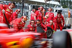 Ferrari mechanics and Kimi Raikkonen, Ferrari SF70H makes a pitstop