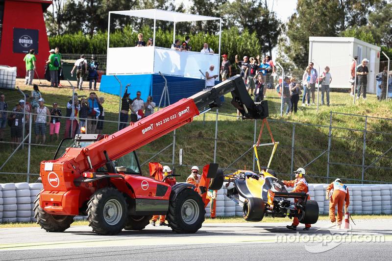 El auto de Fernando Alonso, McLaren MCL32 en la FP1
