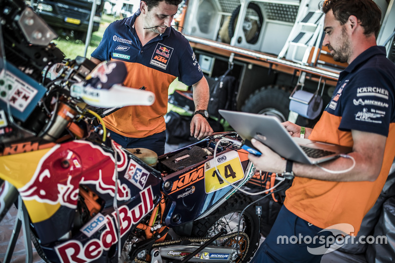Mecánicos del Red Bull KTM Factory Racing