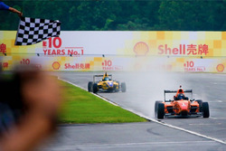 Chinese F4 car cross the check flag