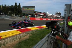 Carlos Sainz Jr., Scuderia Toro Rosso STR12 en cameraman