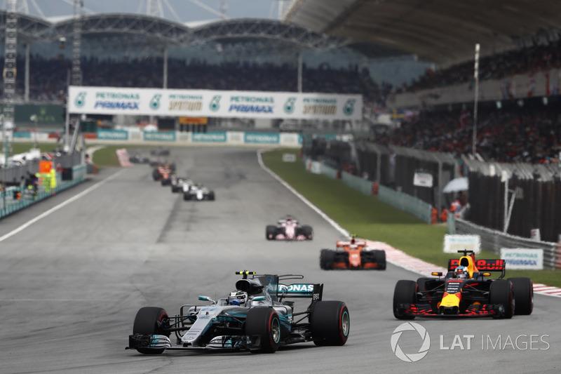 Валттері Боттас, Mercedes AMG F1 W08, Даніель Ріккардо, Red Bull Racing RB13, Стоффель Вандорн, McLaren MCL32, Серхіо Перес, Sahara Force India F1 VJM10