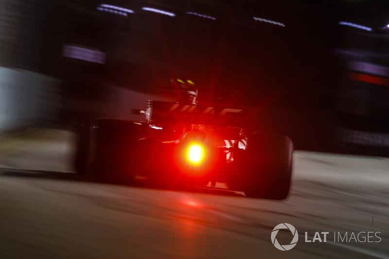 16. Кевін Магнуссен, Haas F1 Team VF-17