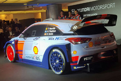 Хейден Пэддон, Даниэль Сордо, Тьерри Невилль, Hyundai Motorsport представляет свою 2017 Hyundai i20 Coupe WRC