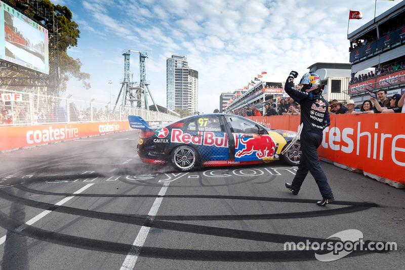 3. Переможець Шейн ван Гісберген, Triple Eight Race Engineering Holden