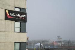Nebel im Motorland Aragon am Sonntagmorgen