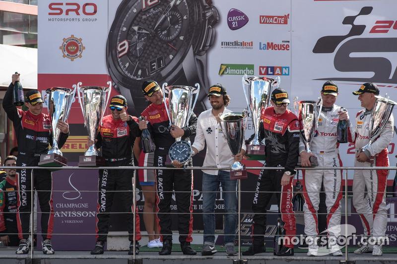 AM-Cup podio: #888 Kessel Racing Ferrari 488 GT3: Jacques Duyver, Marco Zanuttini, David Perel, Niki Cadei