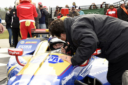 Race winner Alexander Rossi, Curb Herta - Andretti Autosport Honda is congratulated by car owner Michael Andretti