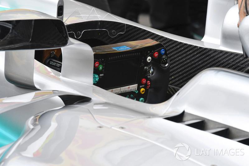 Mercedes-Benz F1 W08 Hybrid detalle del volante