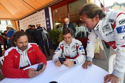 Гонщики Spirit of Race Томас Флор, Франческо Кастеллаччи и Оливье Беретта