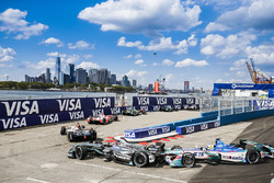 Antonio Felix da Costa, Amlin Andretti Formula E Team, hits Adam Carroll, Jaguar Racing