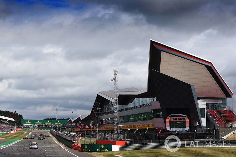 Arrancada Lewis Hamilton, Mercedes AMG F1 líder
