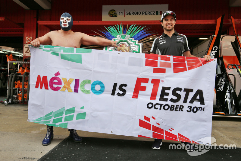Sergio Perez, Sahara Force India F1 con Blue Demon Jr., Luchador e Wrestler