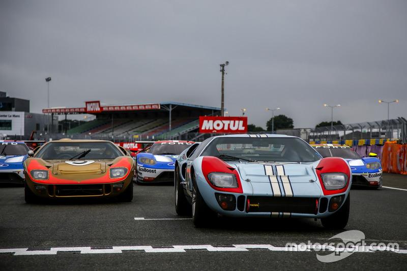 Ford GT40 та новий Ford GT