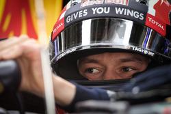 Даниил Квят, Red Bull Racing RB12