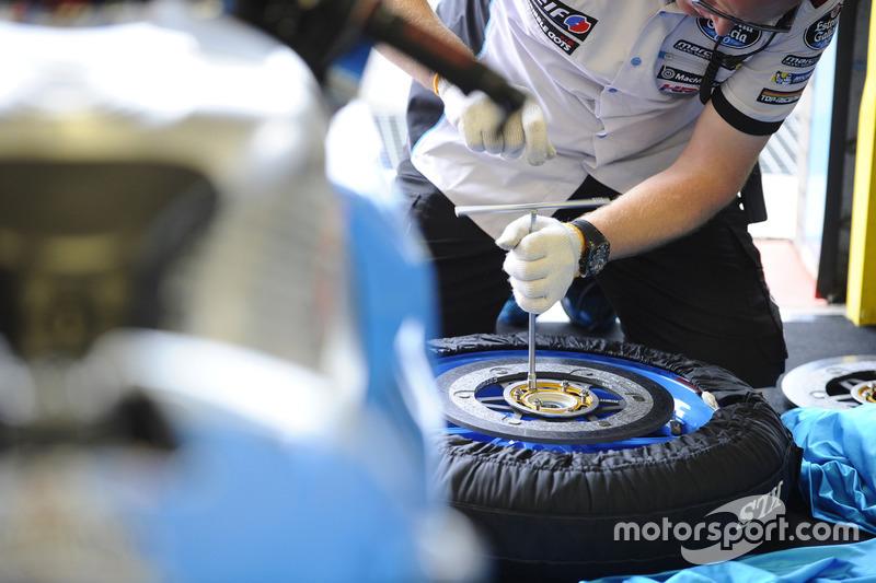Marc VDS Racing mekanikeri