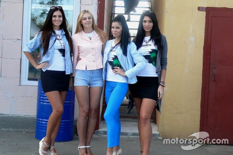 LiquiDevil girls