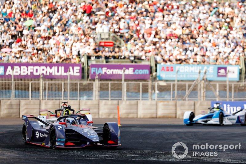 Sam Bird, Envision Virgin Racing, Audi e-tron FE05 precede Daniel Abt, Audi Sport ABT Schaeffler, Audi e-tron FE05