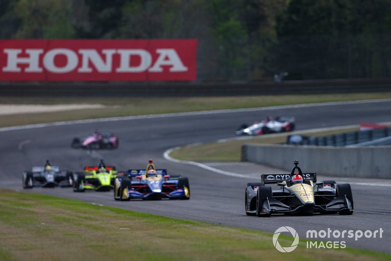 Hinchcliffe leads Rossi and Bourdais in the first stint.