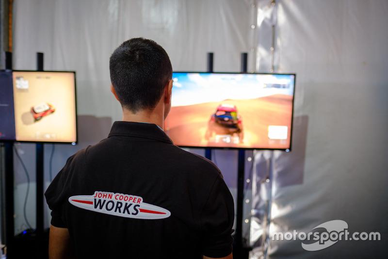 Alex Haro, X-Raid, en la presentación de 'Dakar 18'