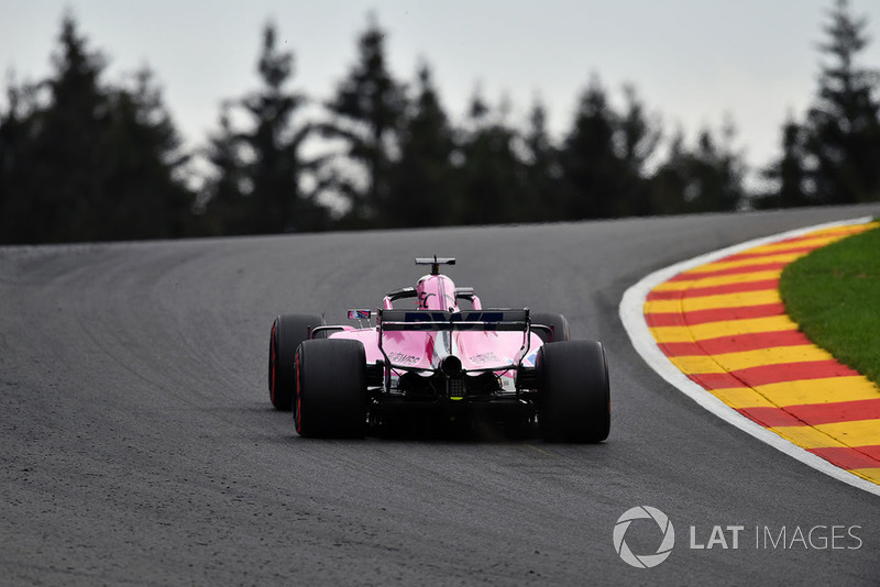 4. Серхио Перес, Racing Point Force India F1 VJM11 – 2:01.894