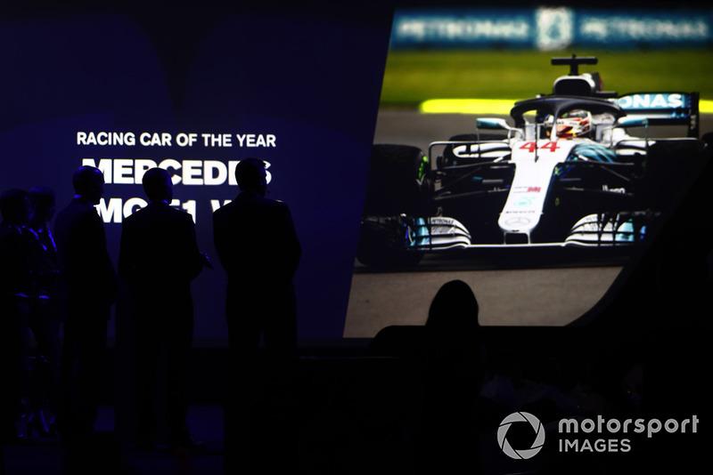 Coche de Carreras del Año, presentado por Pirelli: Mercedes AMG F1 W09