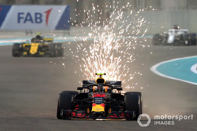 Также Ферстаппен в пятый раз подряд финишировал в тройке сильнейших – это его лучший результат в Ф1. Подиум в Абу-Даби позволил опередить ему Валттери Боттаса и закончить год четвертым в личном зачете