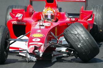 Михаэль Шумахер, Ferrari F2004: после удара о стену в туннеле за автомбилем безопасности