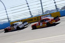 Chase Elliott, JR Motorsports Chevrolet und Darrell Wallace Jr., Roush Fenway Racing Ford
