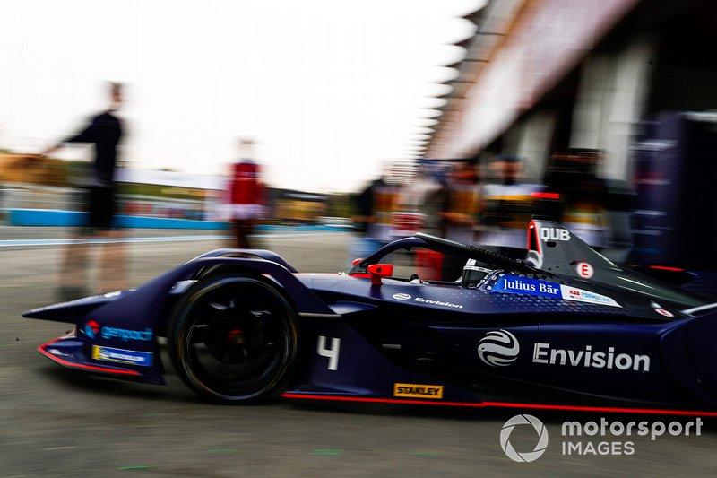 Amna Al Qubaisi, Envision Virgin Racing, Audi e-tron FE05, lascia il garage