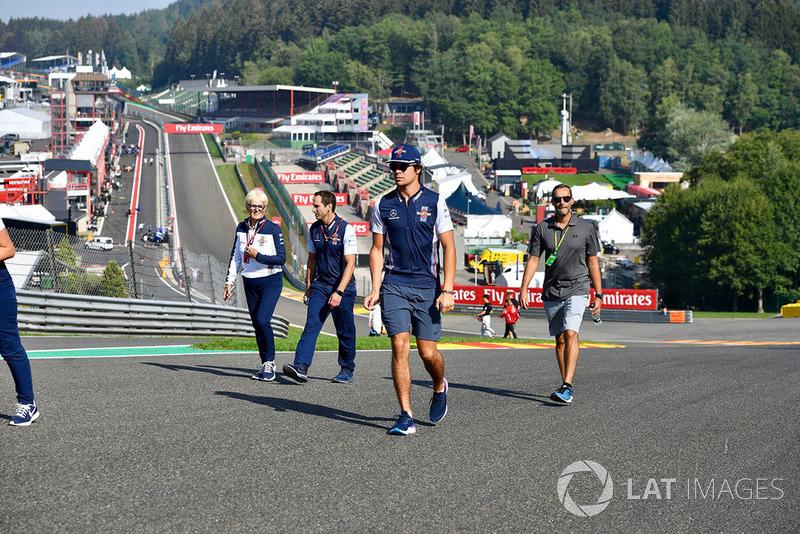 Lance Stroll, Williams Racing parcourt la piste à pieds