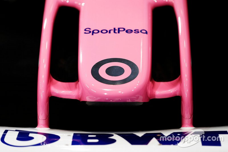 Dettaglio di loghi sul musetto della RP19 del Racing Point F1 Team