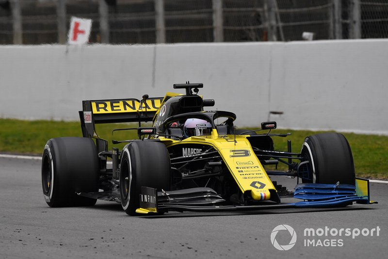 Renault F1 Team R.S. 19 with aero paint on front wing