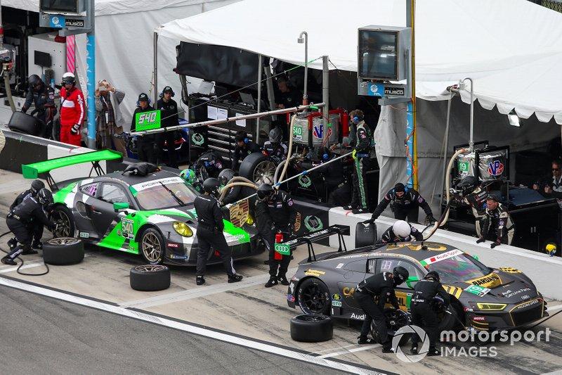 #19 Moorespeed Audi R8 LMS GT3, GTD: Will Hardeman, Alex Riberas, Andrew Davis, Markus Winkelhock, Pit Stop
