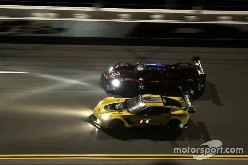 #77 Mazda Team Joest Mazda DPi: Oliver Jarvis, Tristan Nunez, Timo Bernhard, Rene Rast