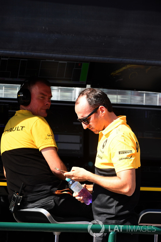Alan Permane, Renault Sport F1 Team y Robert Kubica, Renault Sport F1 Team