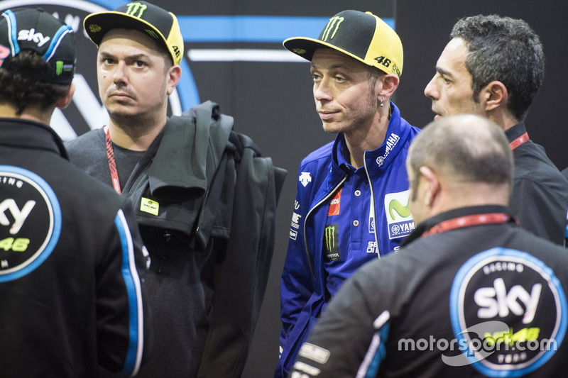 Valentino Rossi, Yamaha Factory Racing, en el SKY VR46 box