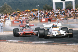 Jo Siffert, BRM P160, leads Max Jean, March 701 Ford